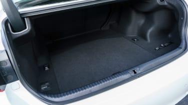 Lexus RC - boot