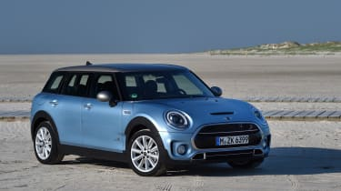 MINI Clubman ALL4 2016 - front quarter 2