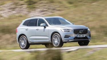 Volvo XC60 D4 - side action
