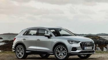 Audi Q3 - side/front