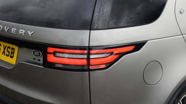 Land Rover Discovery - rear light detail
