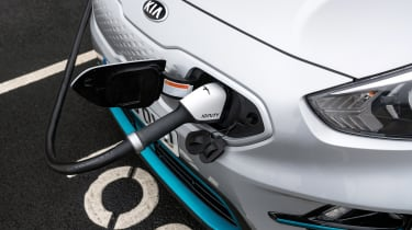 Kia e-Niro Mid Range - charging