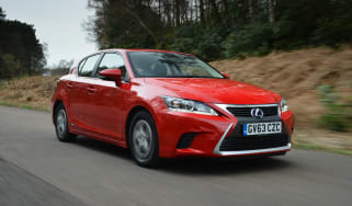 Lexus CT 200h front tracking