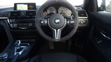 BMW M4 CS - dash