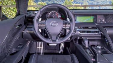 Lexus LC 500 - dash