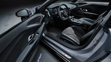 Audi R8 RWD Coupe - dash