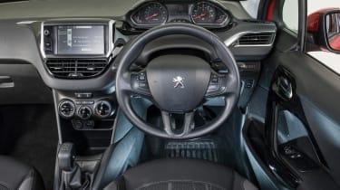 Used Peugeot 208 - dash