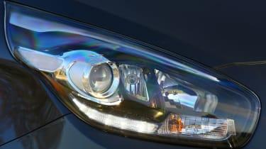 Kia Carens headlight