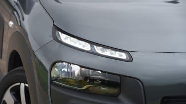 Citroen C4 Cactus - front light