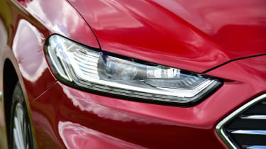 Ford Mondeo Hybrid Estate - front light