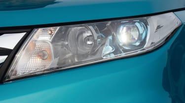 Suzuki Vitara - headlights