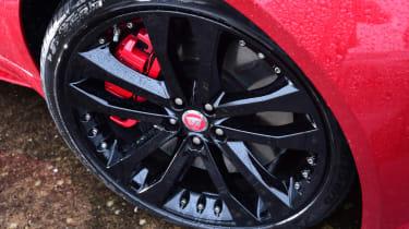 Jaguar F-Type R - wheel detail