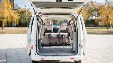 Nissan e-NV200 - full rear
