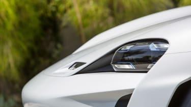 Porsche Mission E Cross Turimso - front detail