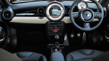 MINI Cooper SD Coupe dash