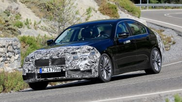 BMW 5 Series facelift - spyshot 2