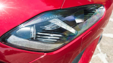 Maserati GranTurismo - headlight