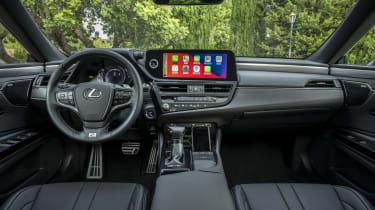 Lexus ES - interior