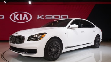 Kia K900 - New York front