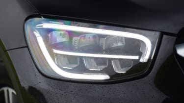 Mercedes GLC 220 d  - headlight
