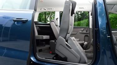 Volkswagen Sharan seat folding mechanism