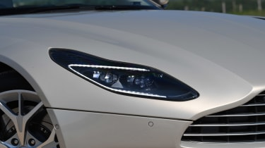 Aston Martin DB11 Volante - front light
