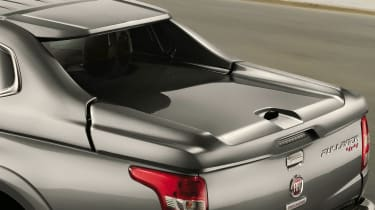Fiat Fullback pick-up - mopar bed cover