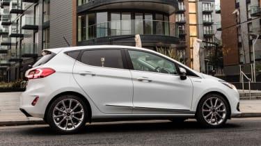 Ford Fiesta Vignale - side profile lights on