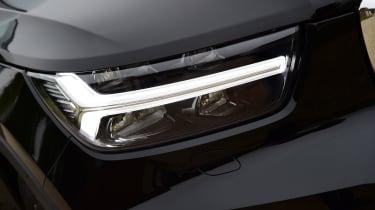 Volvo XC40 T3 - headlight