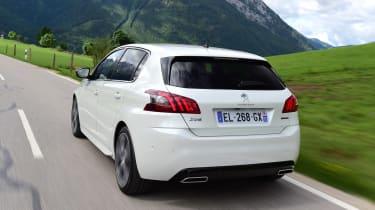 Peugeot 308 - rear action