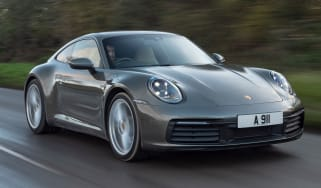 Porsche 911 Carrera - front tracking