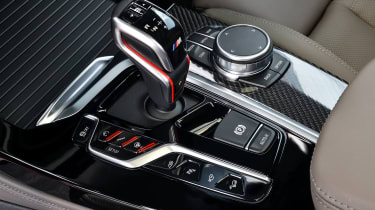 BMW X4 M Competition - gearstick