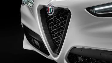 Alfa Romeo Stelvio Ti - grille