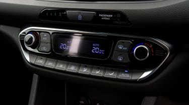 Hyundai i30 N - controls