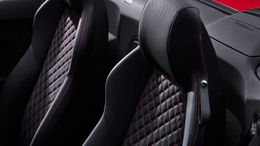 Audi R8 RWD Spyder - seat detail