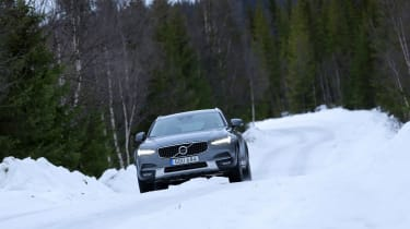 Volvo V90 Cross Country - panning