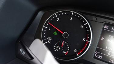 Volkswagen Amarok - dial