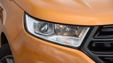 Ford Edge - front light detail