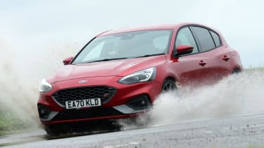 Ford Focus ST automatic - front action