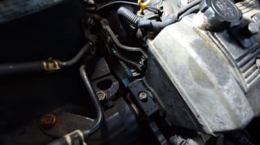 Used Toyota Avensis engine bay