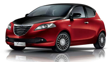 Chrysler Ypsilon Red&Black exterior