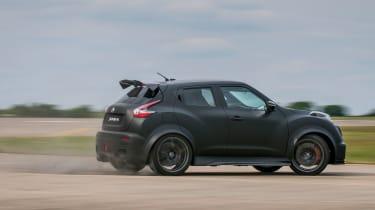Nissan Juke-R side motion