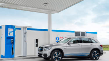 Mercedes GLC F-Cell - hydrogen front