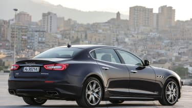 Maserati Quattroporte Diesel 2016 - rear quarter 2