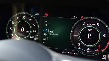 Jaguar XE - dials