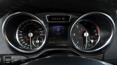 Mercedes G350 Bluetec dials