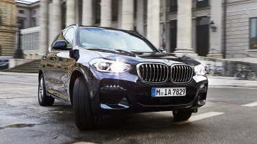 BMW X3 xDrive30e - front action