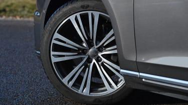 Audi A8 - wheel