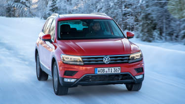 Volkswagen Tiguan snow drive review - front tracking 2