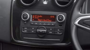 Dacia Sandero SCe 75 Ambiance - dashboard